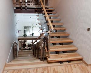 Лестница с двумя тетивами