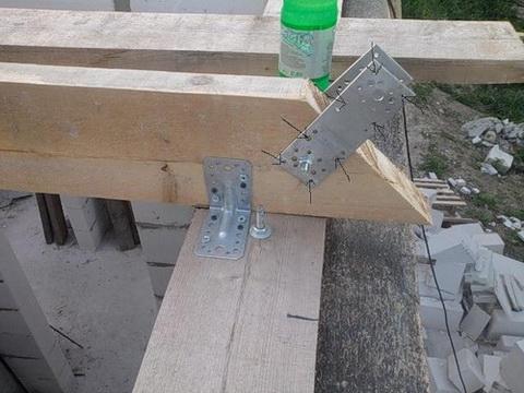 Стропильная система крыши дома из газобетона